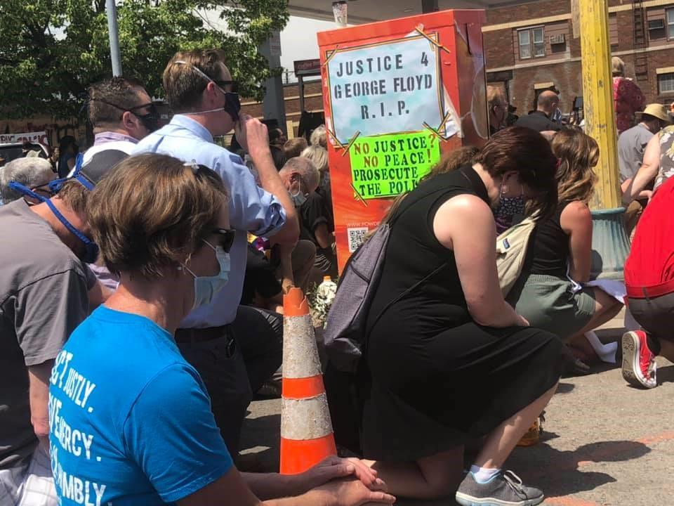Minneapolis Floyd clergy march, 6/2/20: kneeling
