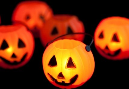 03-PumpkinLanterns.jpg